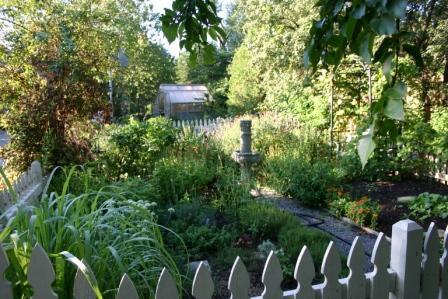 Copy garden abundant