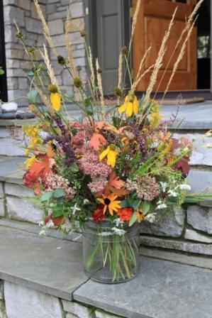 autumn bouquet, fall floral arrangement,