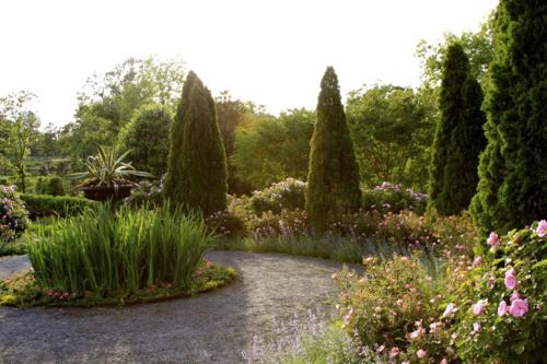 circle garden with evergreens, P Allen Smith